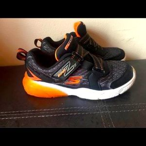 Sketchers - size 1 youth